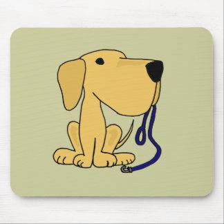 XX perro lindo con el correo Alfombrillas De Ratón