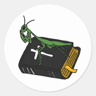 XX- Praying Mantis on a Bible Classic Round Sticker