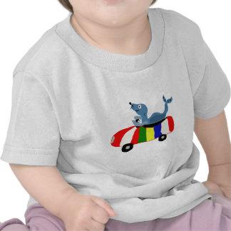 XX sello divertido que conduce el coche de la pelo Camisetas