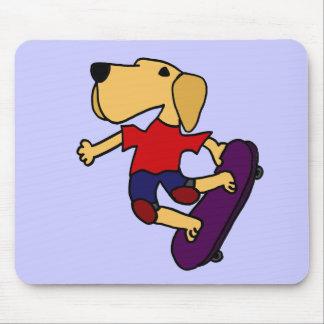 XX Skateboarding del perro del labrador retriever Tapete De Raton