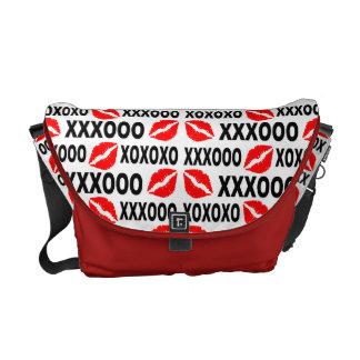 XXXOOO Lips messenger bag