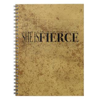 Y aunque ella sea pero poco, ella es feroz notebook