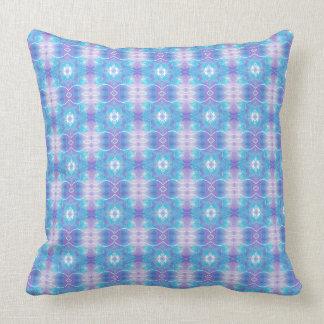 Y azul almohada de tiro modelada extracto púrpura