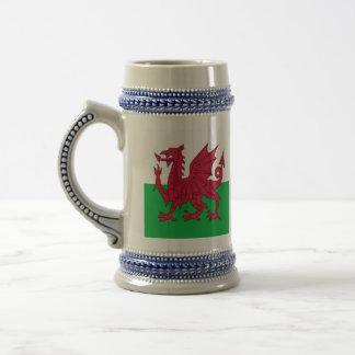 Y Ddraig Goch: Welsh Flag Party Drinks Stein
