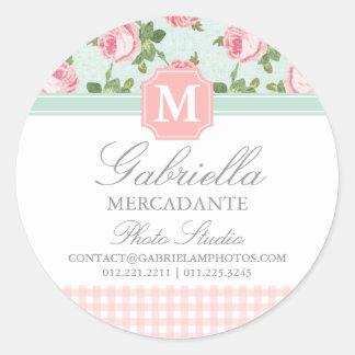 Y elegante floral subió vintage lamentable etiquetas redondas