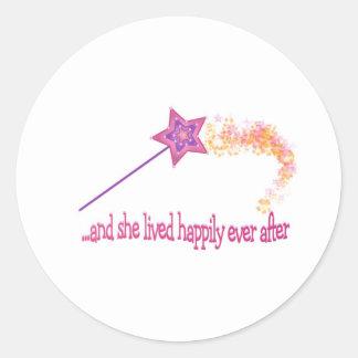 Y ella vivió feliz siempre después pegatinas redondas