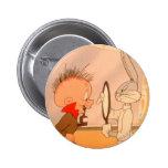 ™ y Elmer Fudd 2 de BUGS BUNNY Pin Redondo 5 Cm