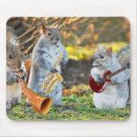 Y la banda jugada encendido alfombrillas de raton