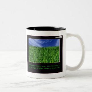 Y la hierba verde creció… taza de café de dos colores