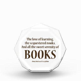 Y toda la serenidad dulce de libros