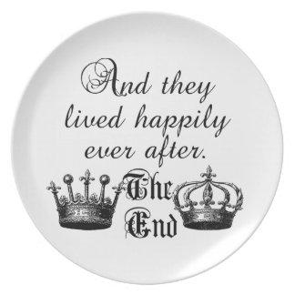 Y vivieron feliz nunca después de cita plato para fiesta