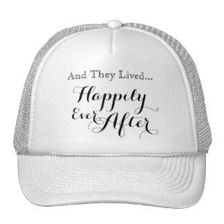 Y vivieron feliz nunca después de gorra