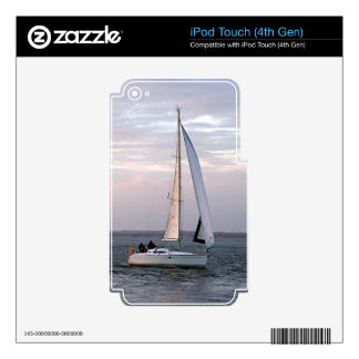 Yacht at sunset, Isle of Wight iPod Touch 4G Skin