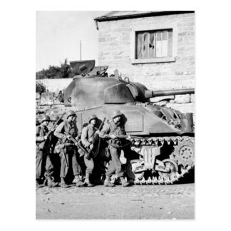 Yanks of 60th Inf. Regt. advance into_War image Postcard