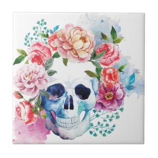 Yarda muerta del sepulcro del cráneo de la cama de azulejo cuadrado pequeño