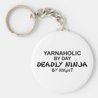 Yarnaholic Ninja mortal por noche Llavero Redondo Tipo Pin