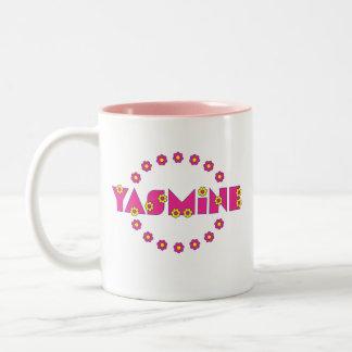 Yasmina en el rosa de Flores Taza De Café De Dos Colores