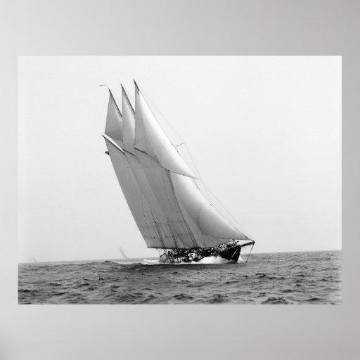 Yate que compite con Atlántico: 1904 Impresiones