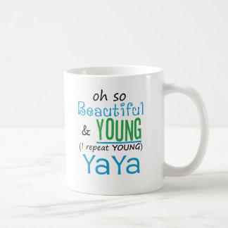 YaYa hermoso y joven Tazas De Café