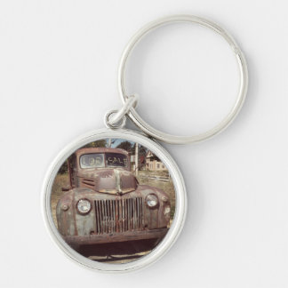 Ye ole flatbed Silver-Colored round keychain