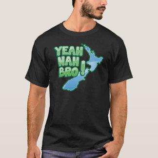 Yeah nah BRO New Zealand KIWI  Auckland design T-Shirt