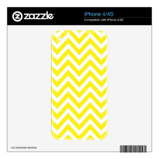 Yellow and White Stripe Zigzag Pattern Skins For iPhone 4S