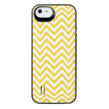 Beach Themed Yellow and White Zigzag Stripes Chevron Pattern iPhone SE/5/5s Battery Case
