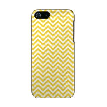 Beach Themed Yellow and White Zigzag Stripes Chevron Pattern Metallic iPhone SE/5/5s Case