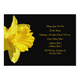 "Yellow Daffodil On Black Floral Invitation 5"" X 7"" Invitation Card"