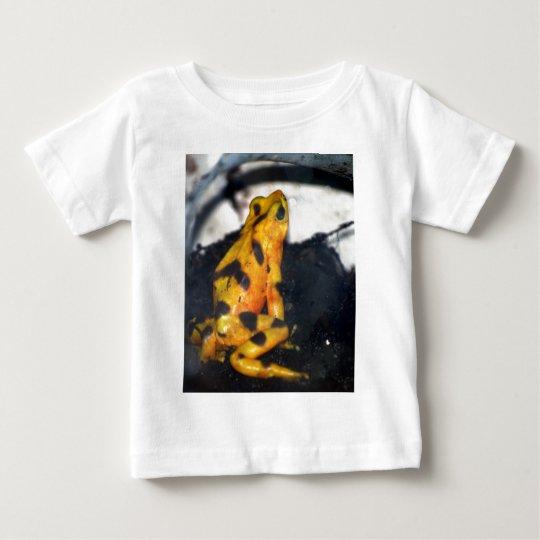 yellow dart frog baby T-Shirt