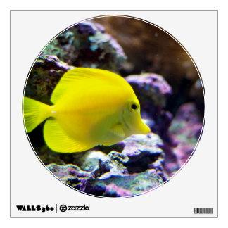 Yellow fish in aquarium wall sticker