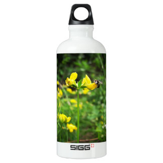Yellow Flower and Wasp close up macro shoot photo Water Bottle