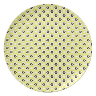 yellow flower dinner plate