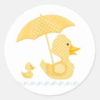 Yellow Gingham Duck, Baby Shower Classic Round Sticker