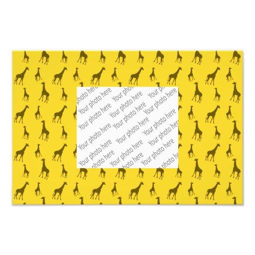 Yellow giraffe pattern photo print