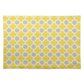Yellow & Gray Quatrefoil Geometric Pattern Placemat