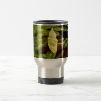 YELLOW LEAF UNDER RIPPLES IN CLEAR WATER TRAVEL MUG