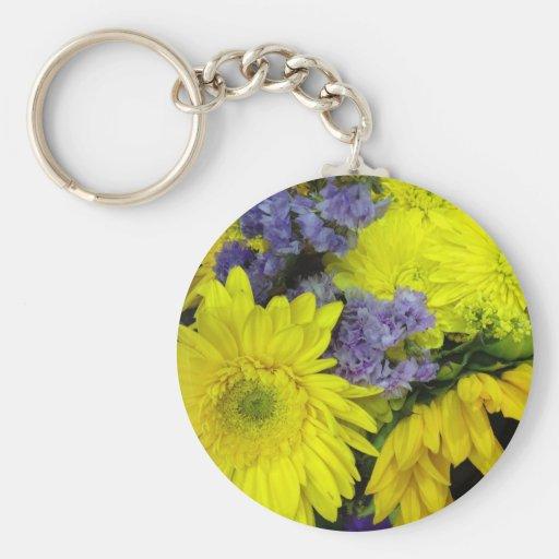 YELLOW PURPLE FLOWERS BASIC ROUND BUTTON KEYCHAIN