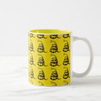 Yellow snake 'dont tread on me' Two-Tone coffee mug