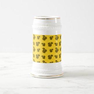 Yellow squirrel pattern 18 oz beer stein