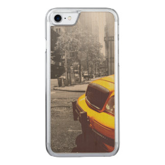 Yellow taxi 01 carved iPhone 8/7 case
