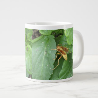 Yellow Wasp Straddling Leaves Giant Coffee Mug
