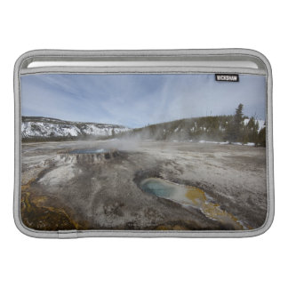 Yellowstone es famoso por su geotérmico fundas MacBook