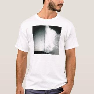 Yellowstone Geyser Vintage Glass Slide T-Shirt