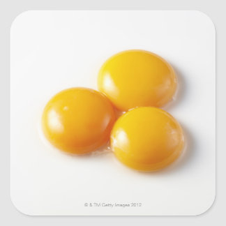 Yema de huevo tres calcomania cuadrada personalizada