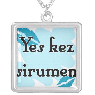 Yes kez sirumen - Armenian - I Love You Personalized Necklace