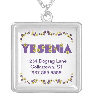 Yesenia en la púrpura de Flores Colgante Cuadrado