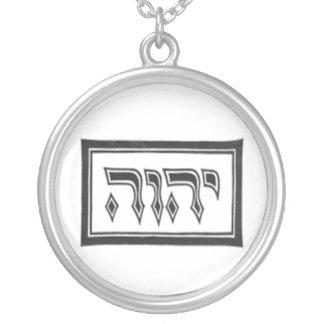YHWH el nombre divino de dios Collar
