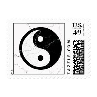 Yin blanco y negro y Yang Timbre Postal