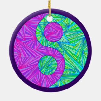 Yin decoración púrpura y verde de Yang del día de Adorno